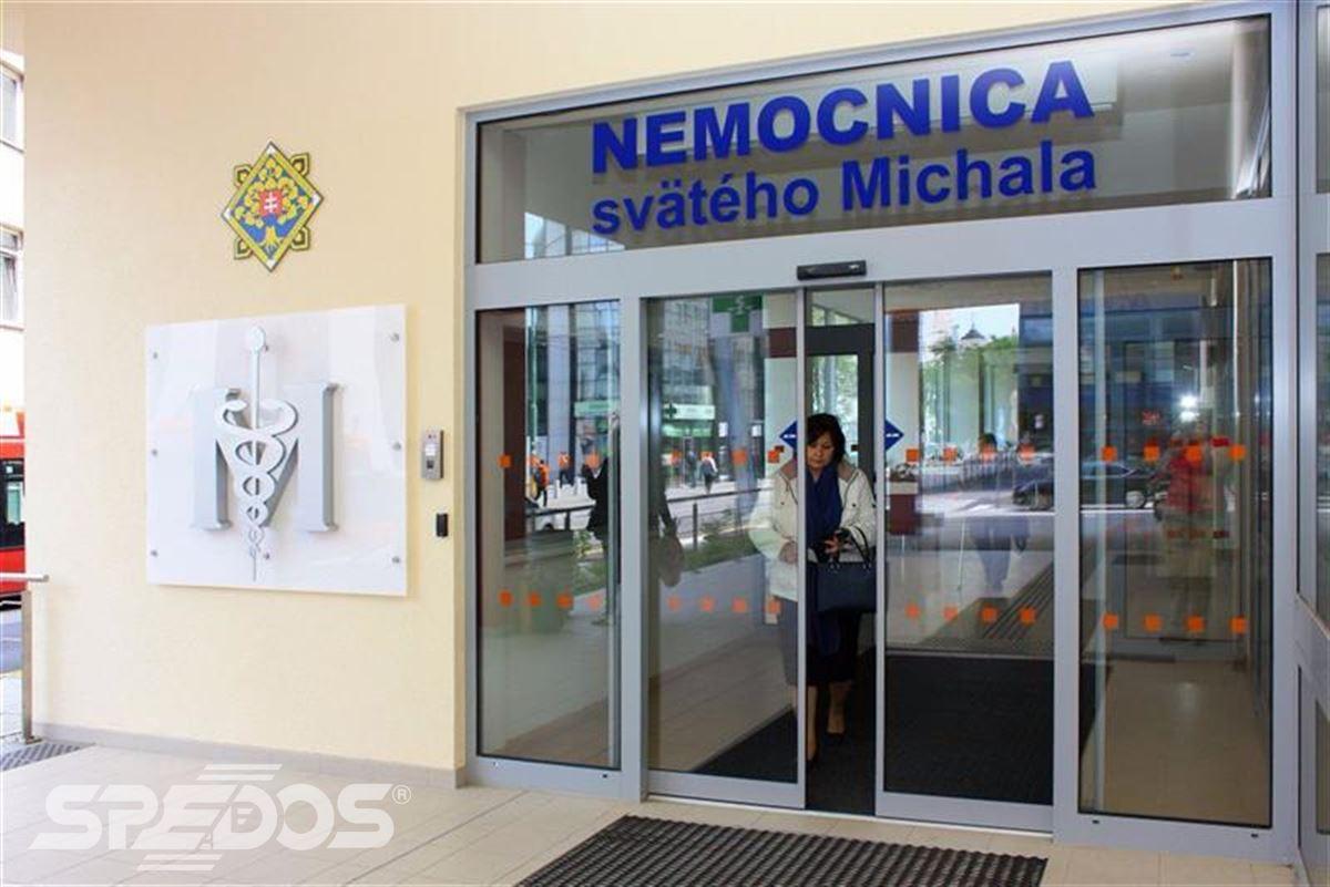 Automatické posuvné dveře pro nemocnici sv. Michala 2