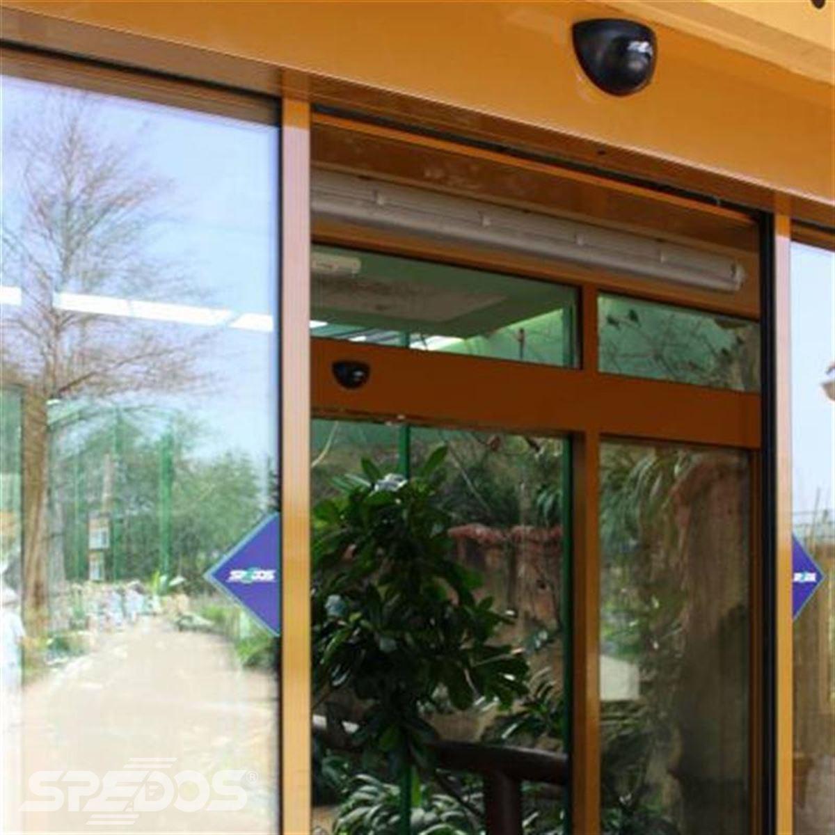 automatické posuvné dveře se dvěma křídly