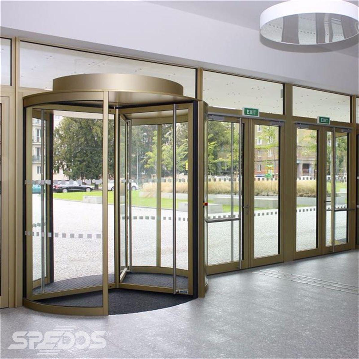 Karuselové dveře Tourniket pro Masarykovu univerzitu 1