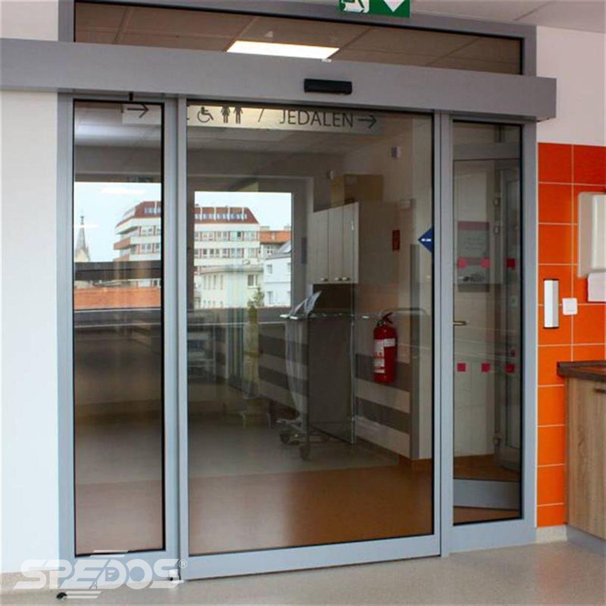 Jednokřídlé automatické posuvné dveře pro nemocnici sv. Michala 4