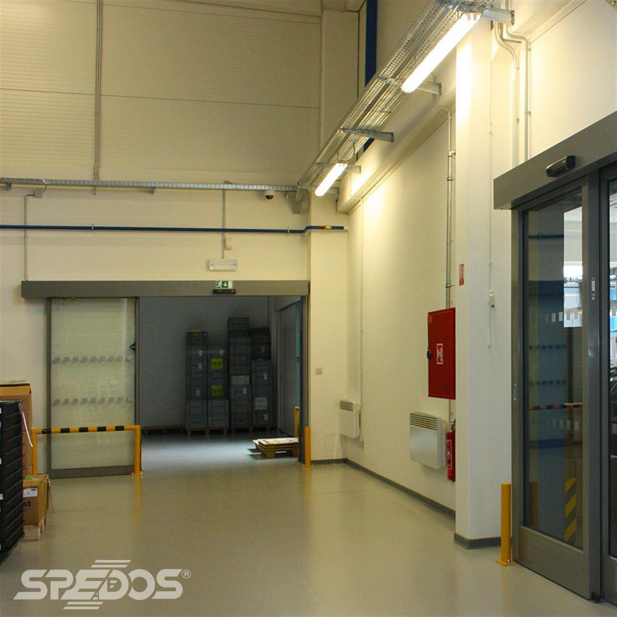 Zakázka na automatické posuvné dveře