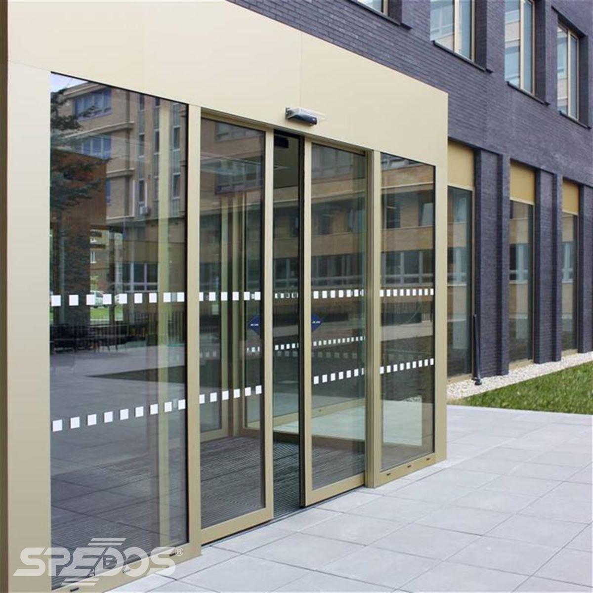 automatické posuvné dvoukřídlé dveře pro Masarykovu univerzitu Brno