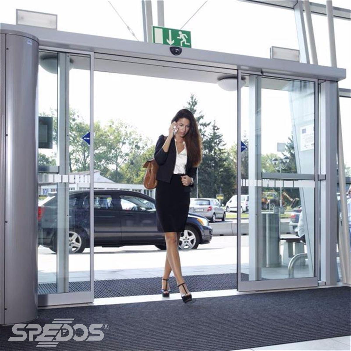 automatické prosklené vstupní dveře