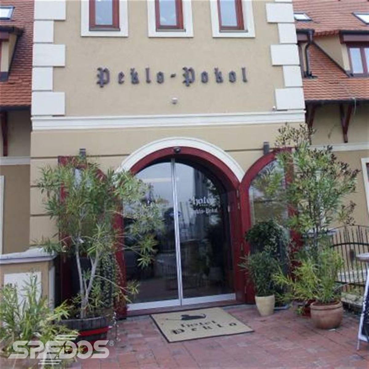 bezbariérový vstup pro hotel Peklo