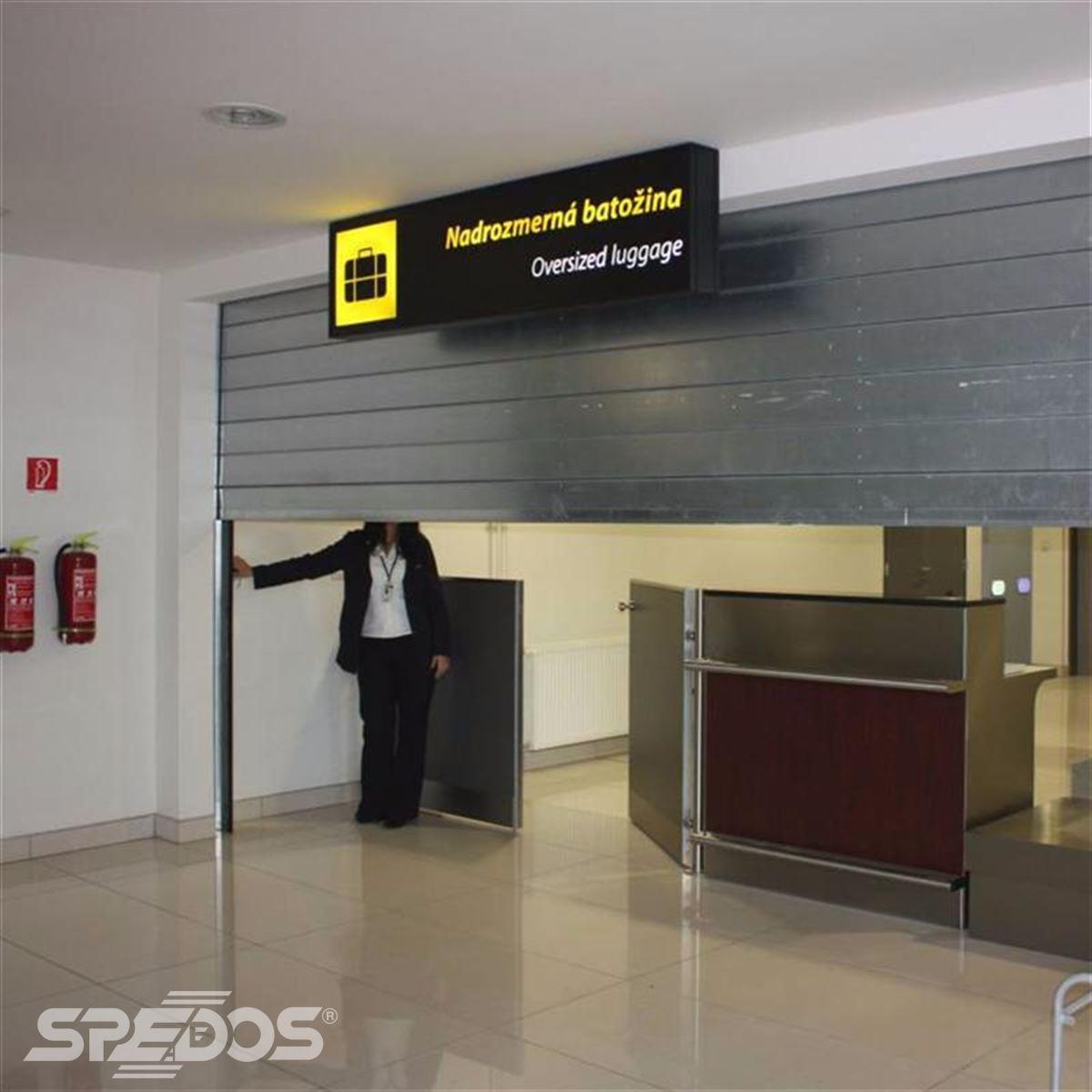 bezpečnostní rolovací vrata pro mezinárodní letiště