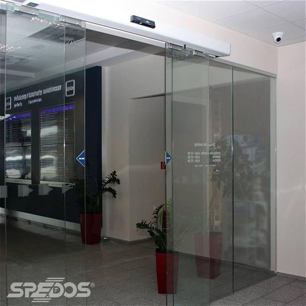 celoskleněné automatické dveře Spedos