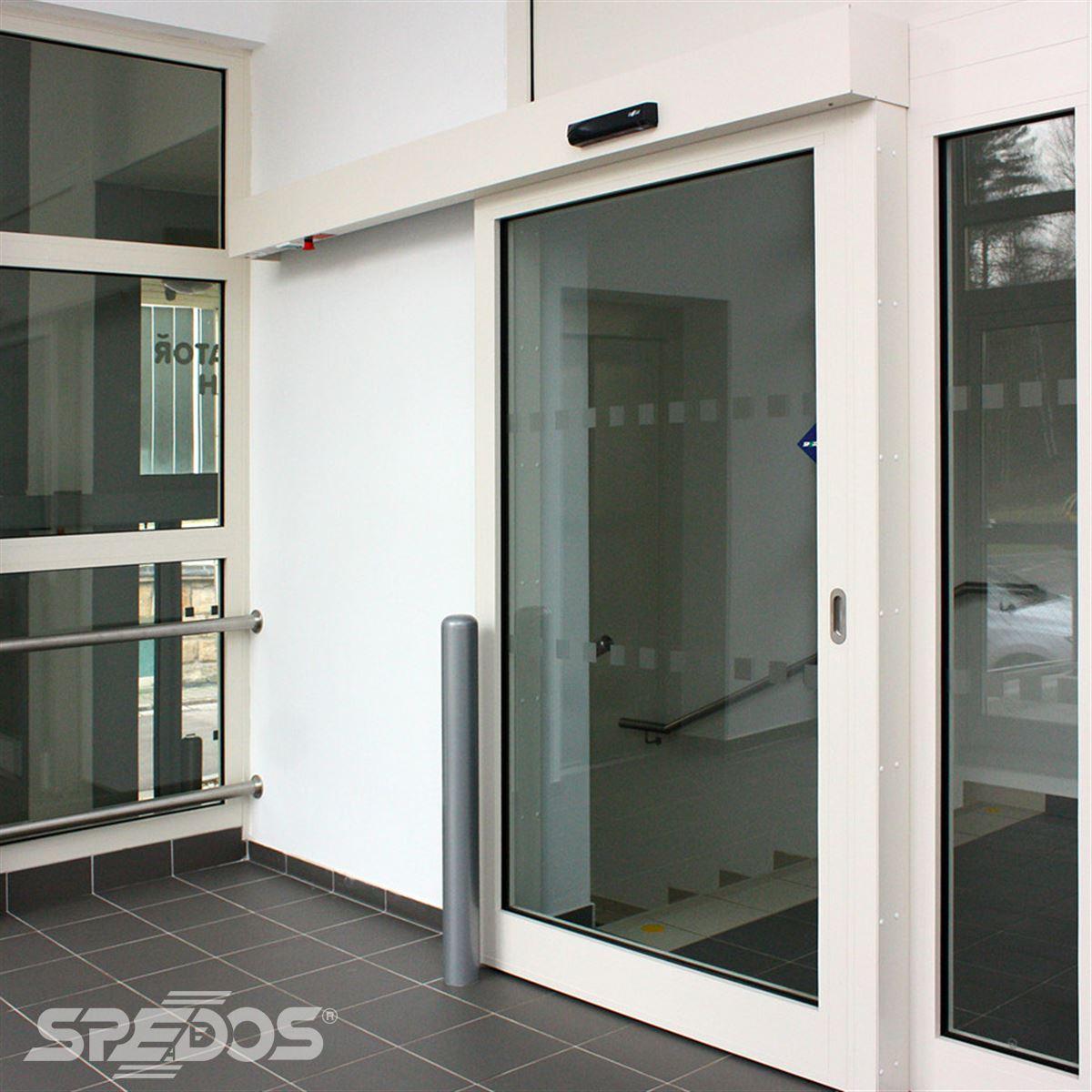 Protipožární posuvné dveře se sensorem
