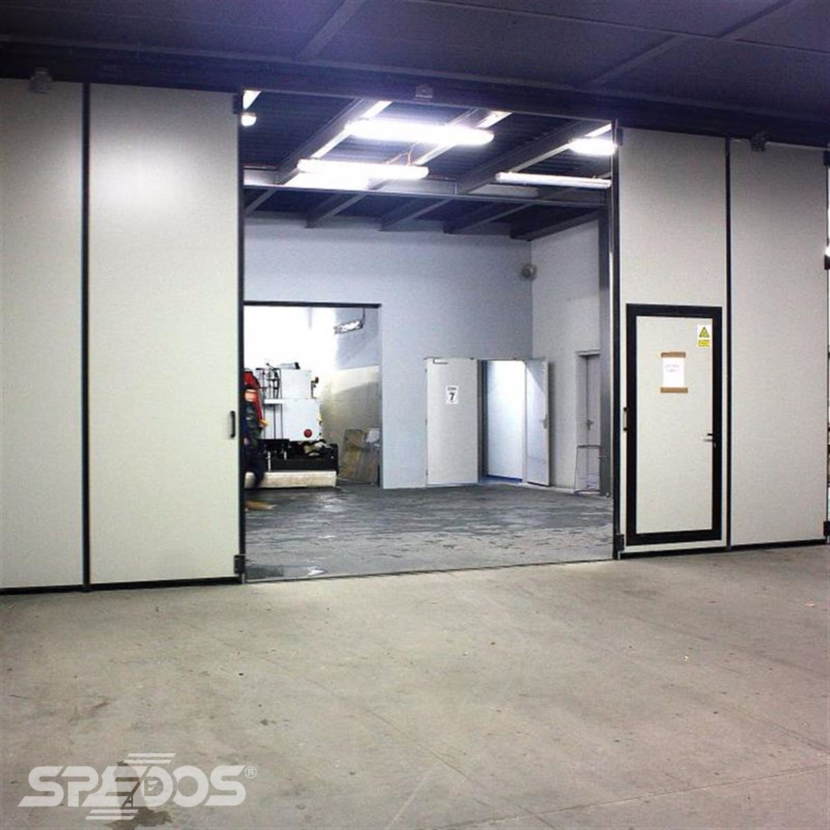 dvoukřídlá skládací vrata Spedos