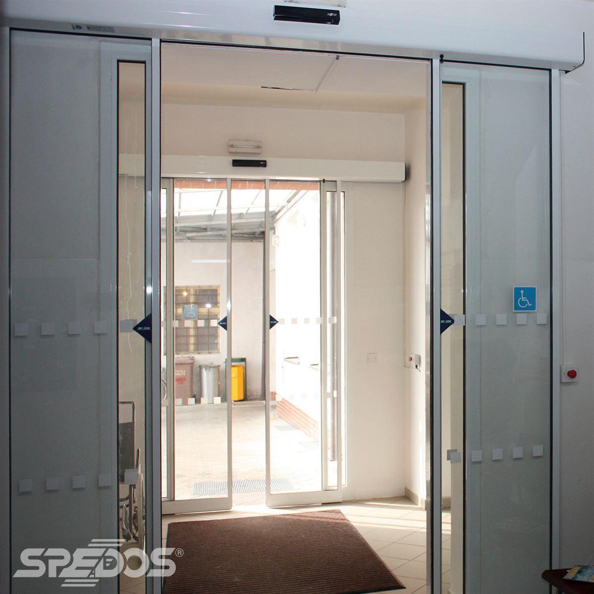 Dvoukřídlé automatické dveře posuvné s externím ovládáním