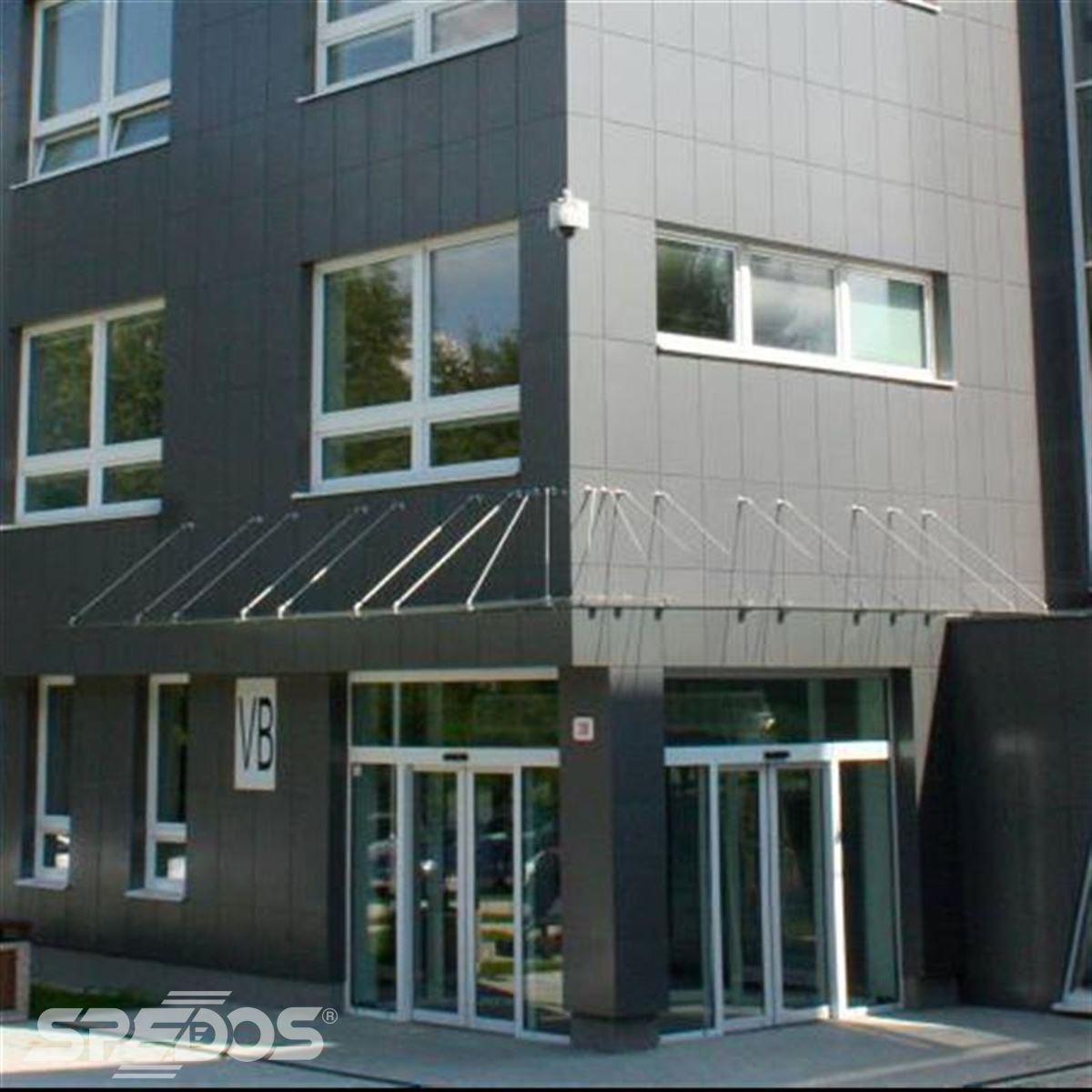 Dvoukřídlé automatické dveře posuvné v Žilinské univerzitě 1