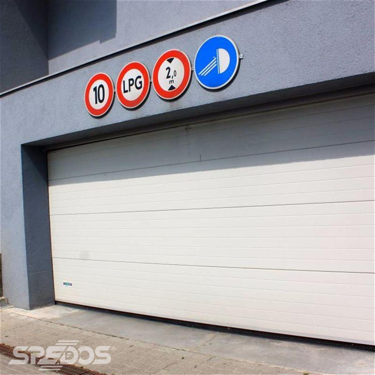 Bezpečná vrata pro garáže
