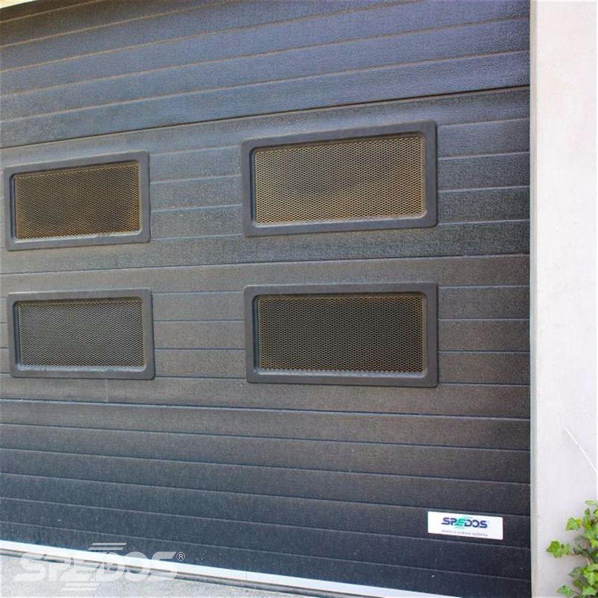 Garážová sekční vrata s okénky