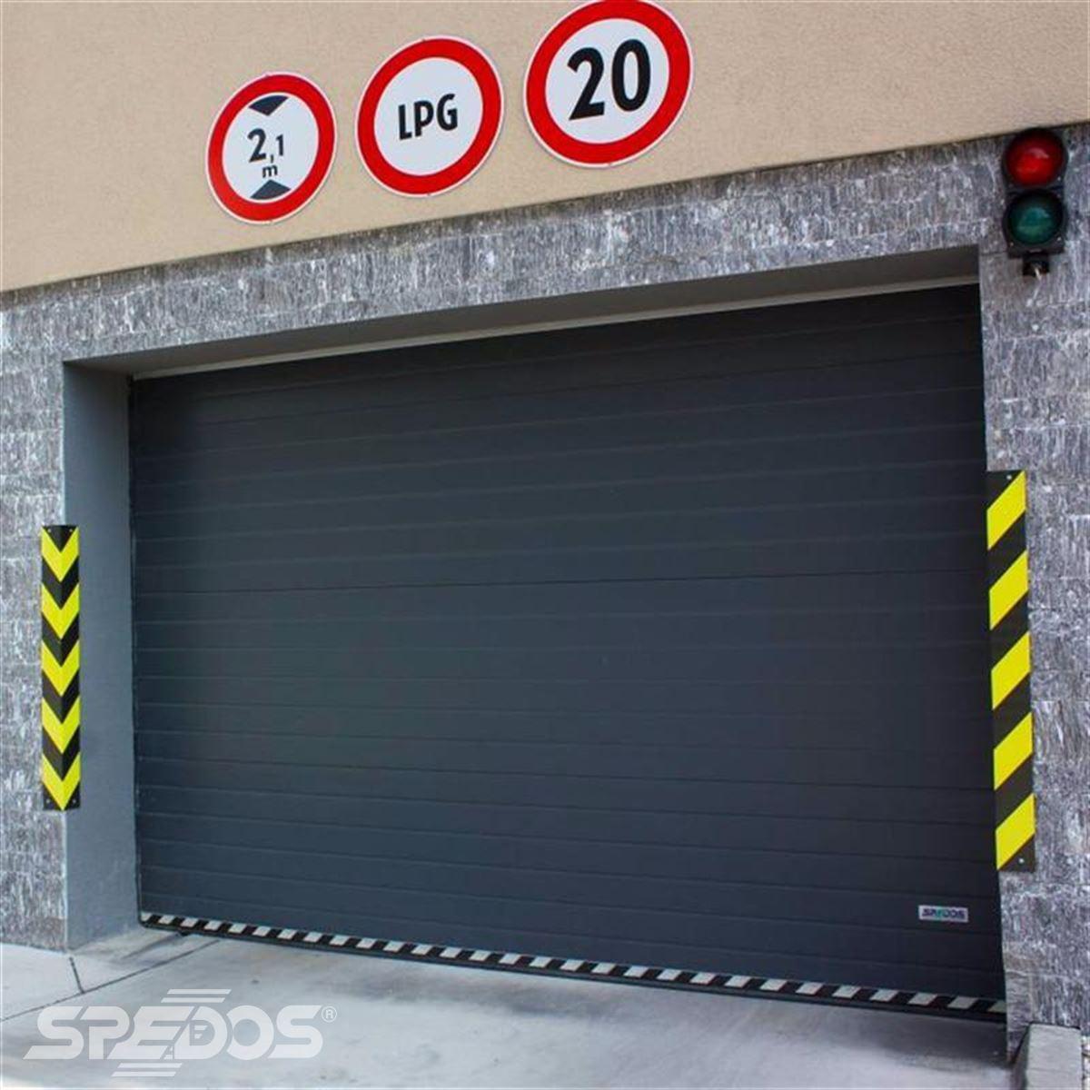 Garážová vrata pro bytový dům