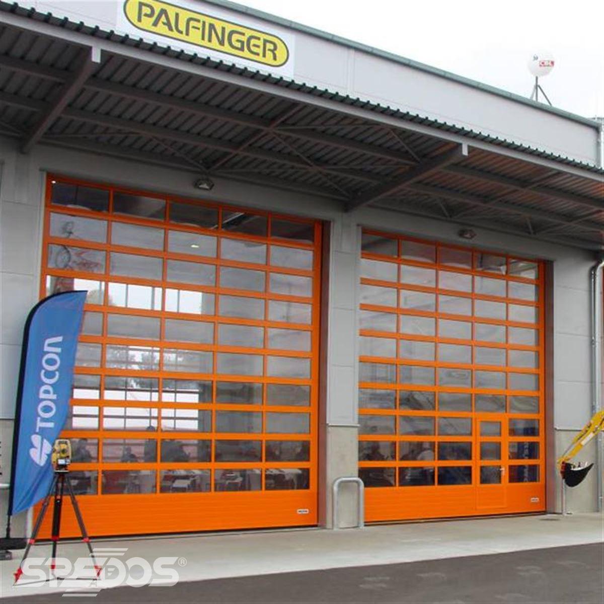 Oranžová garážová vrata