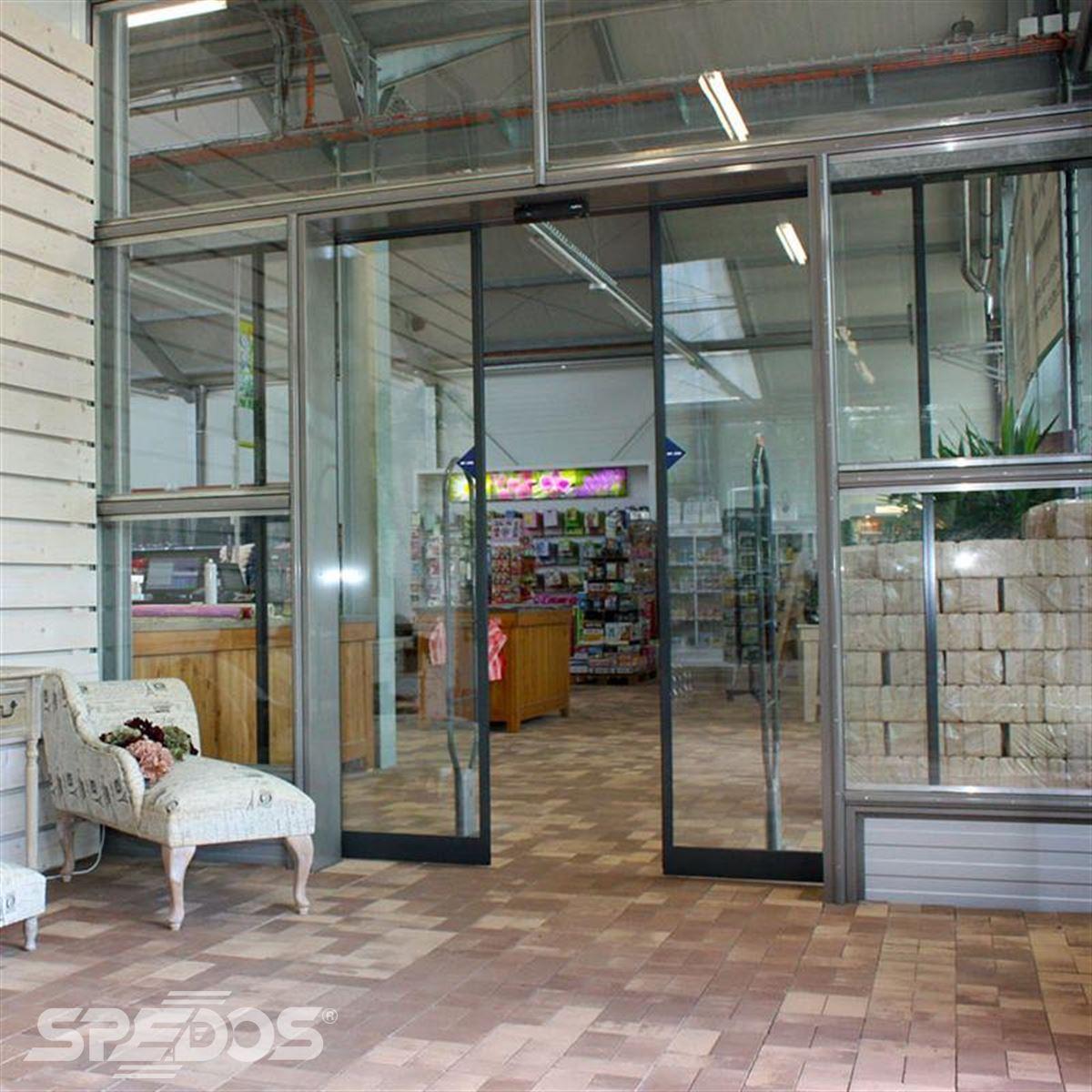hliníkové prosklené konstrukce pro zahradní centrum 3