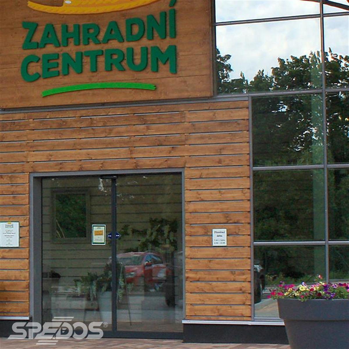 hliníkové prosklené konstrukce pro zahradní centrum
