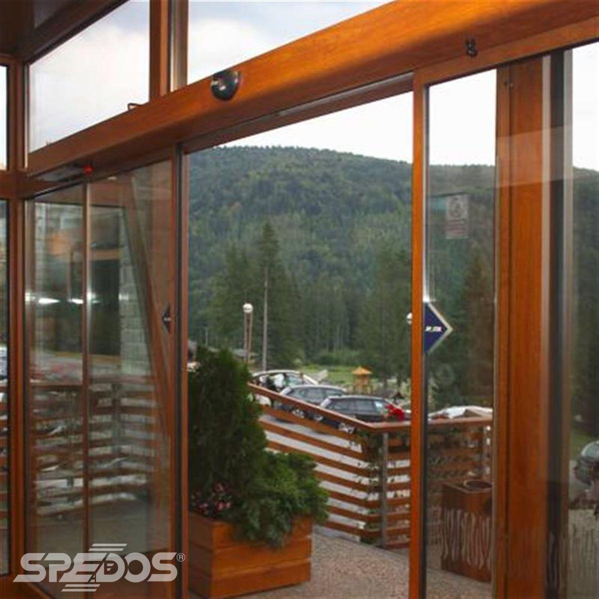 hotelový vstup pro hotel Partizán v Nízkých Tatrách 3