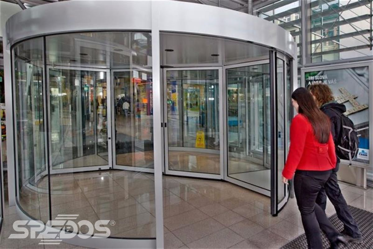 karuselové dveře Duotour pro obchodní dům