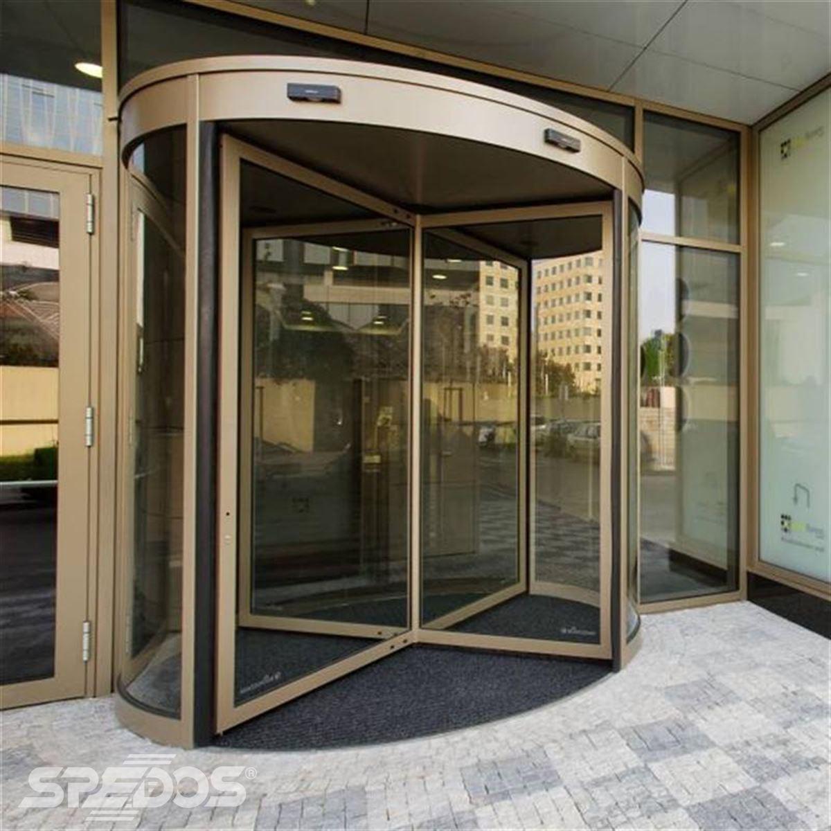 karuselové dveře pro Pasáž Praha-Pankrác