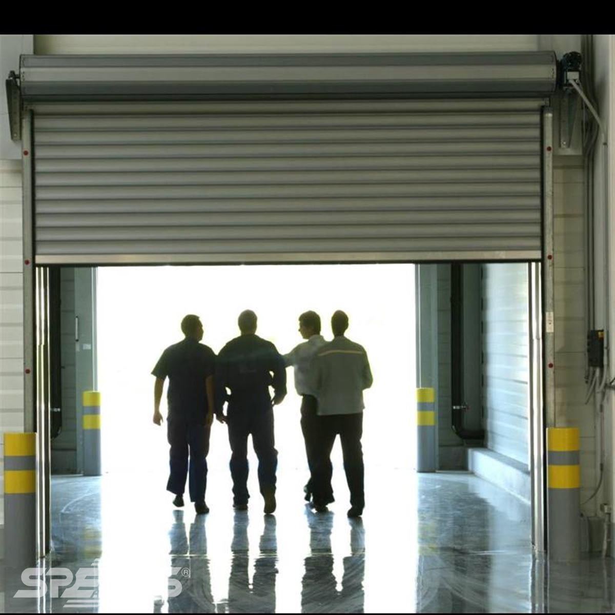 Montáž průmyslových rolovacích vrat Spedos