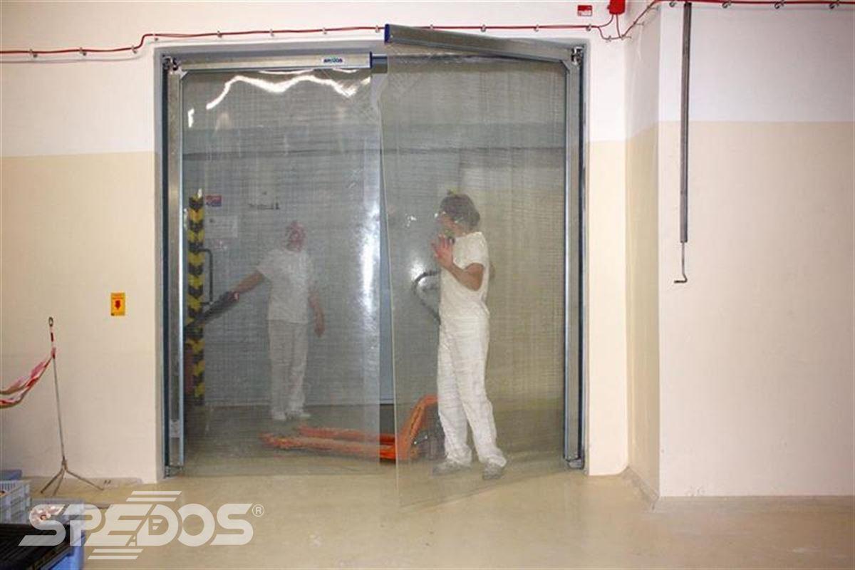 kyvná vrata v provozu