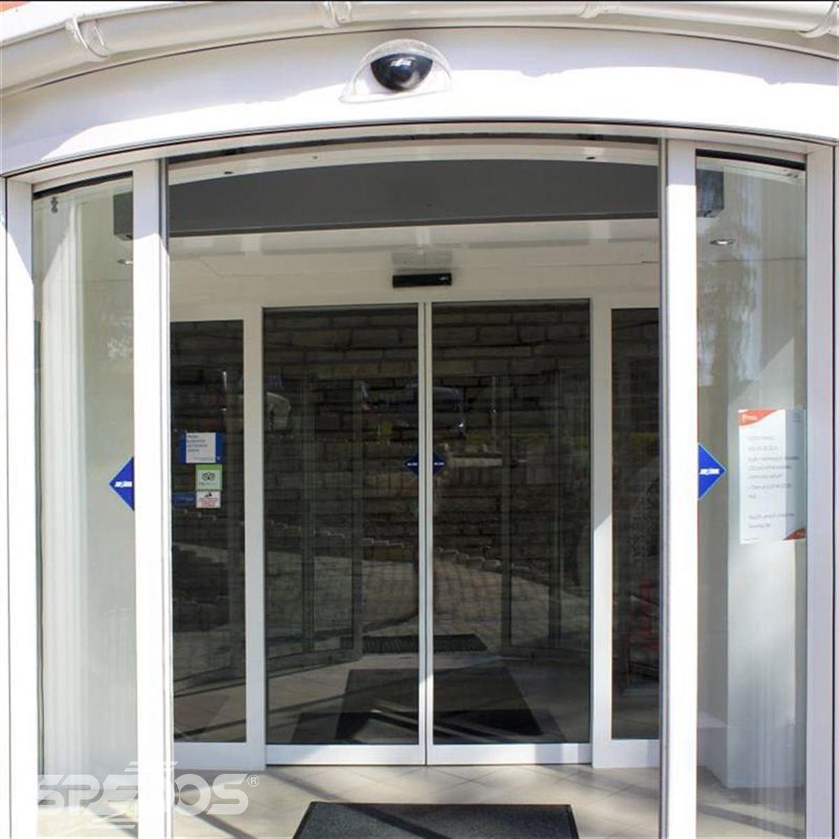 obloukové automatické dveře 2