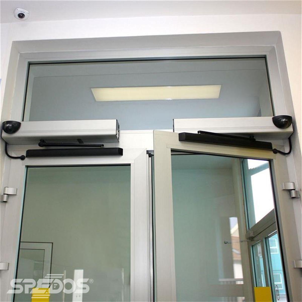 otočné automatické dvoukřídlé dveře reference 2