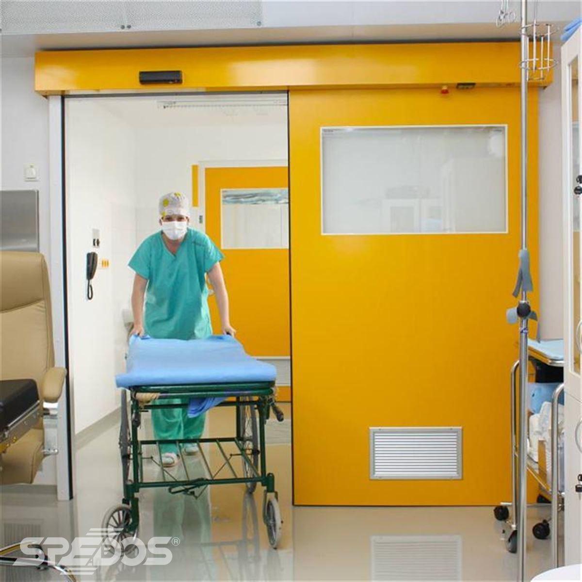 Posuvné automatické dveře pro operační sál