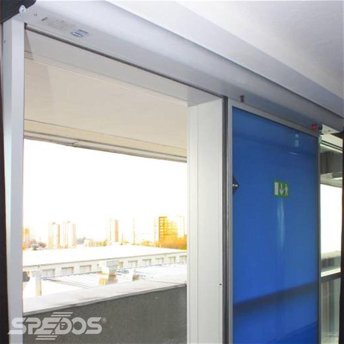 posuvné dveře Spedos s modrou fólií