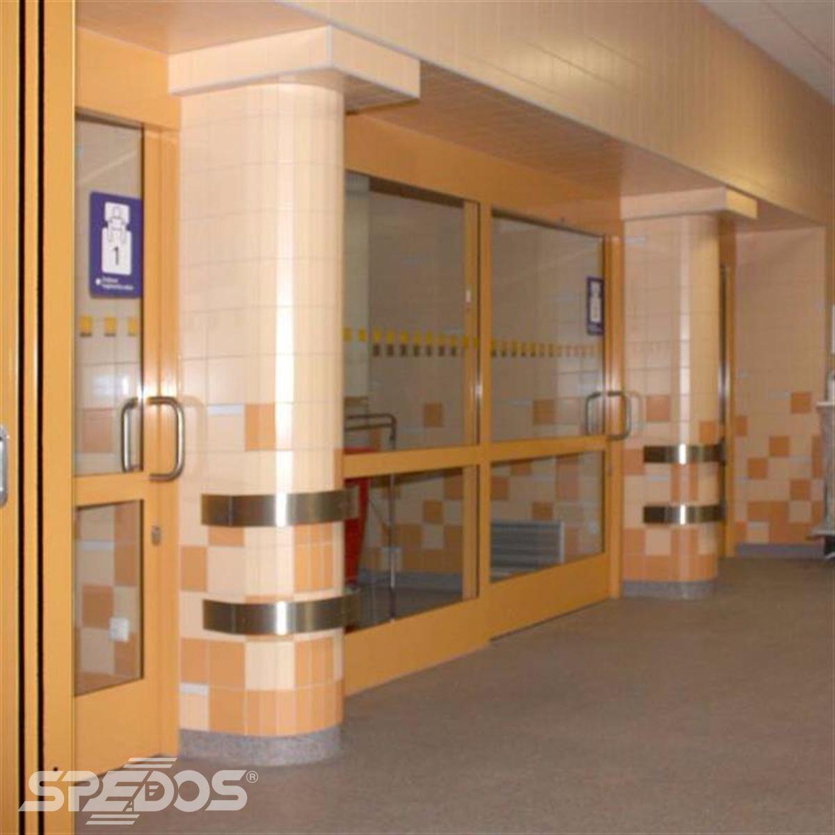 Automatické dveře s opatřením proti požárům