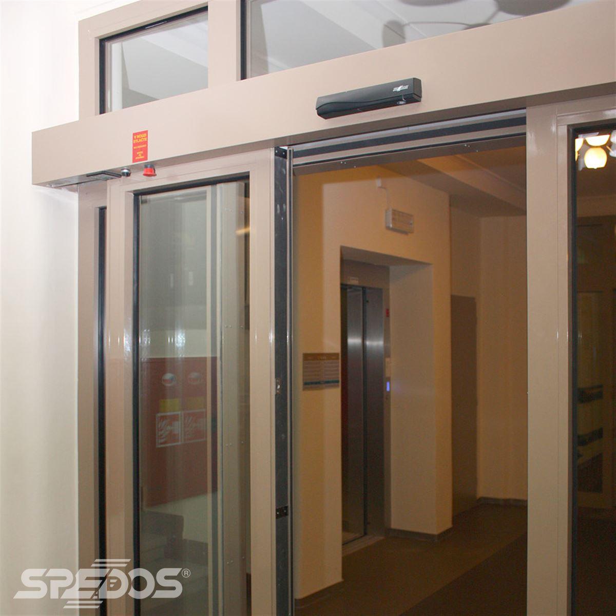 Protipožární automatické dveře posuvné v sanatoriu