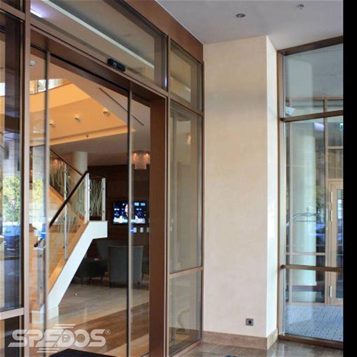 prosklené zádveří pro hotel Hilton 5