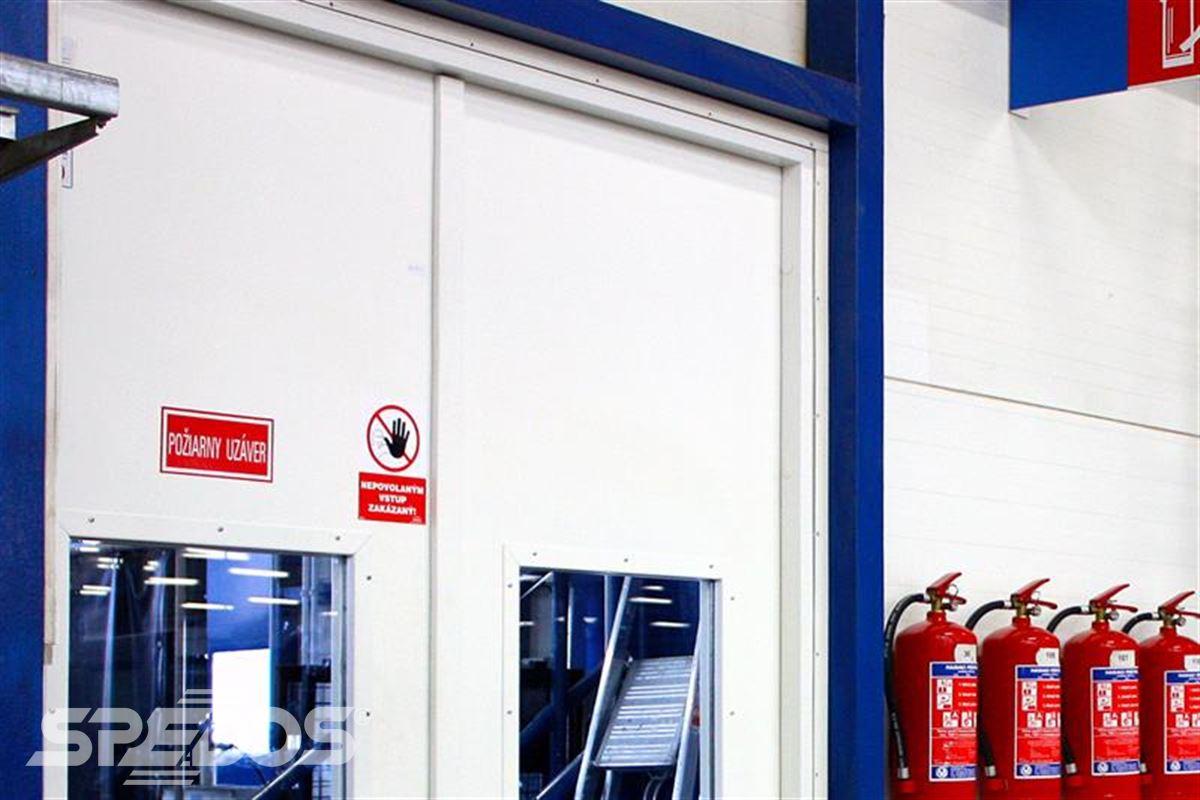protipožární otevíravé dveře pro  požární uzávěr