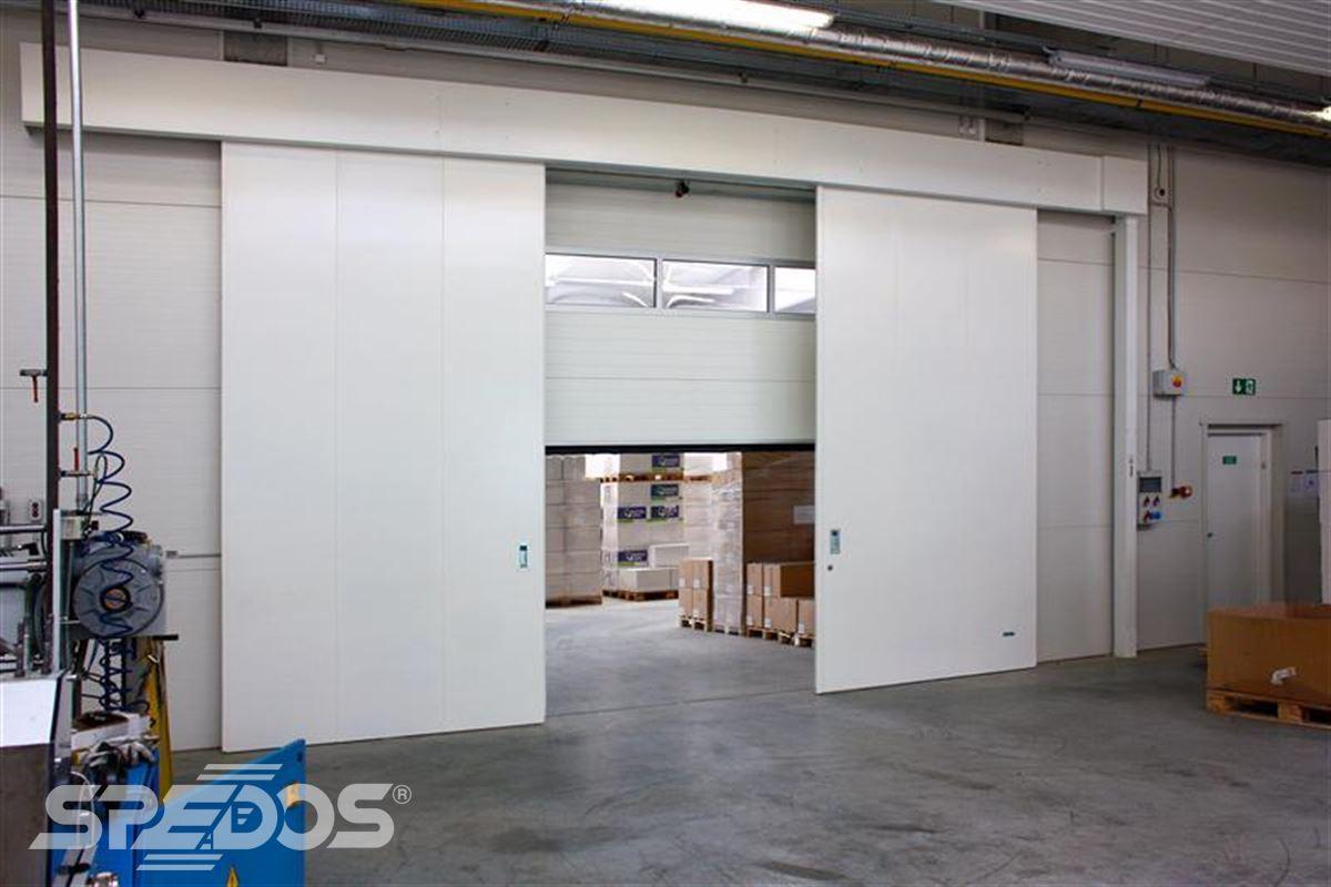 protipožární posuvné vrata bílá