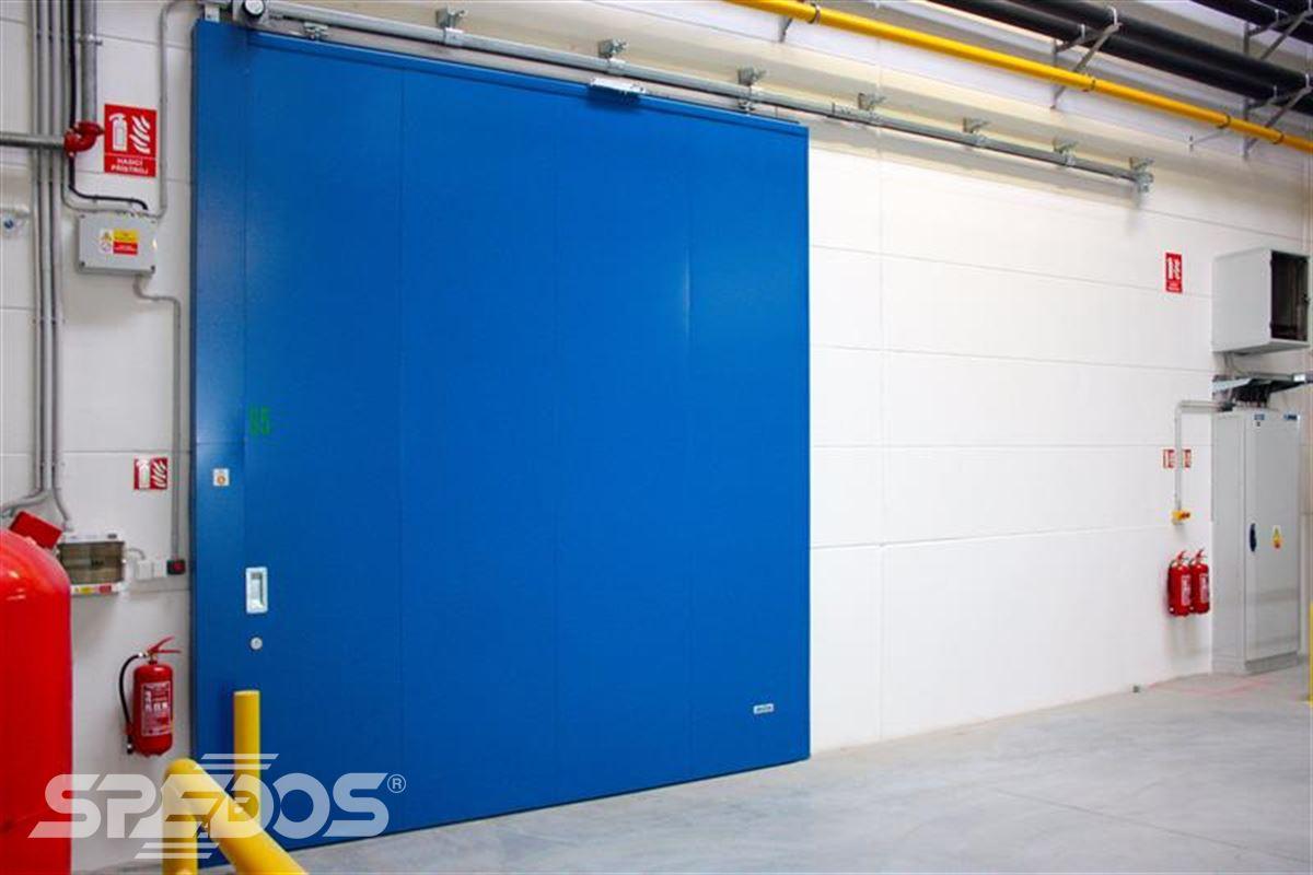 protipožární posuvné vrata modrá