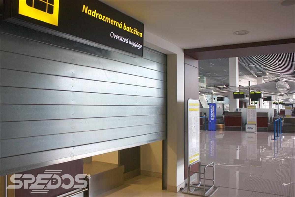 protipožární rolovací vrata na letišti