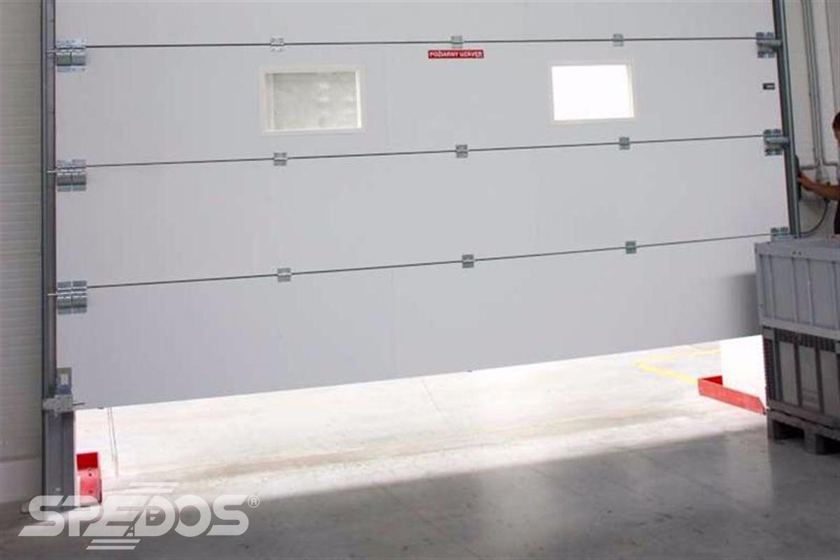 protipožární sekční vrata bílá