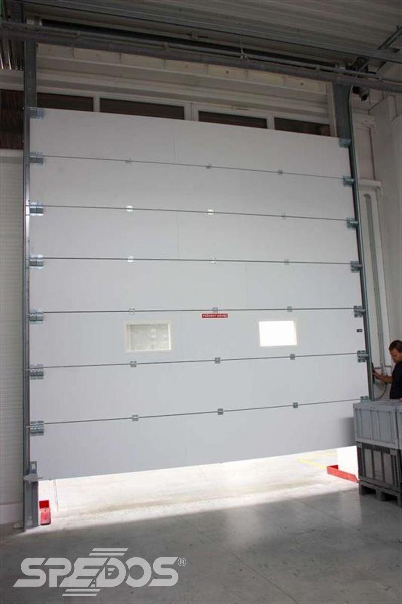 konstrukce protipožárních sekčních vrat