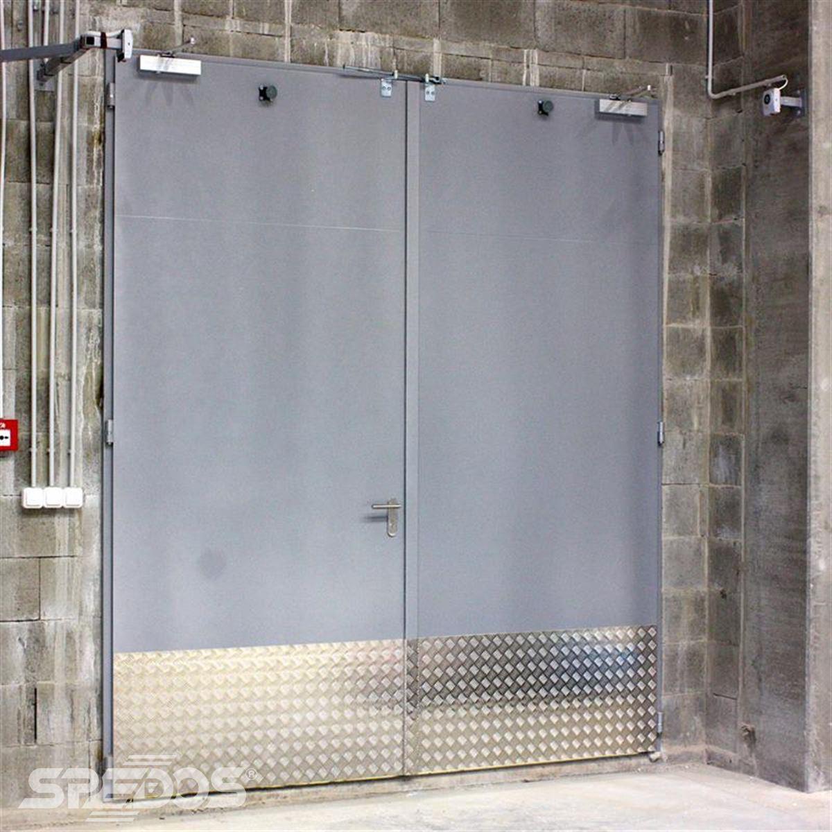 protipožární otevíravé vrata z oceli od Spedosu