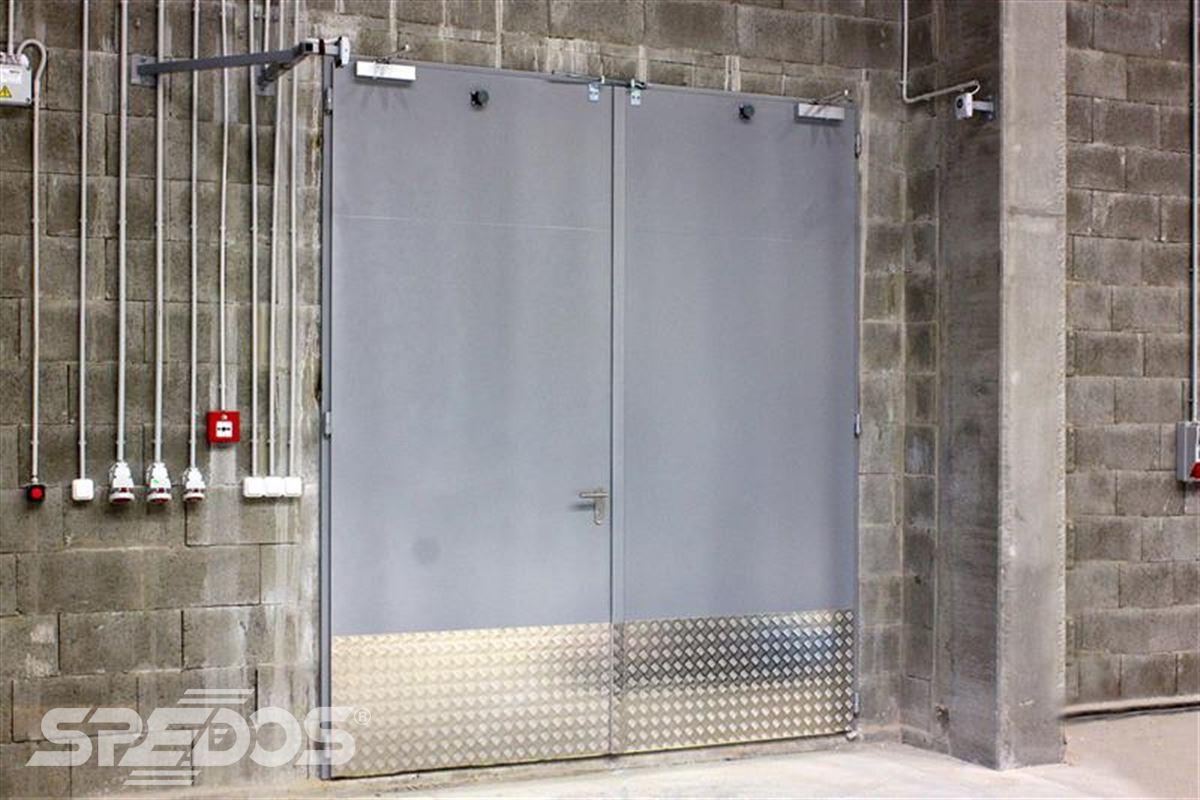 protipožární vrata otevíravé ocelové