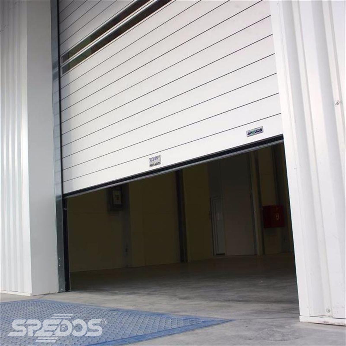 Průmyslová protipožární sekční vrata pro průmyslový areál Sonavox