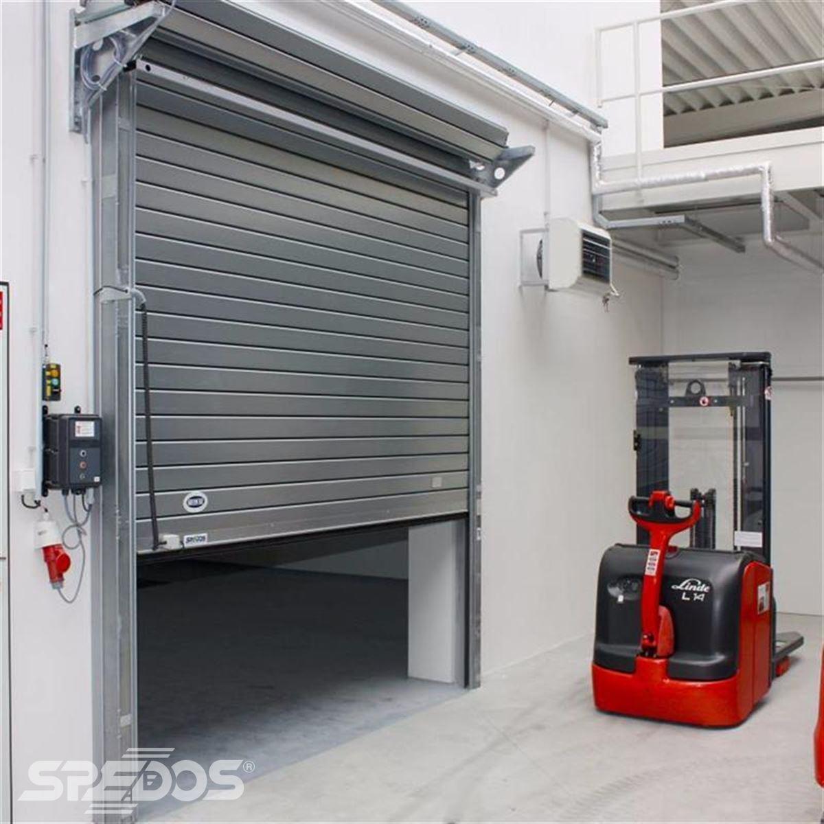 Průmyslová rychlonavíjecí rolovací vrata