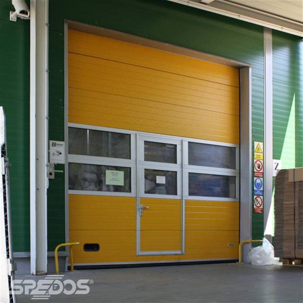 integrované dveře s okénky