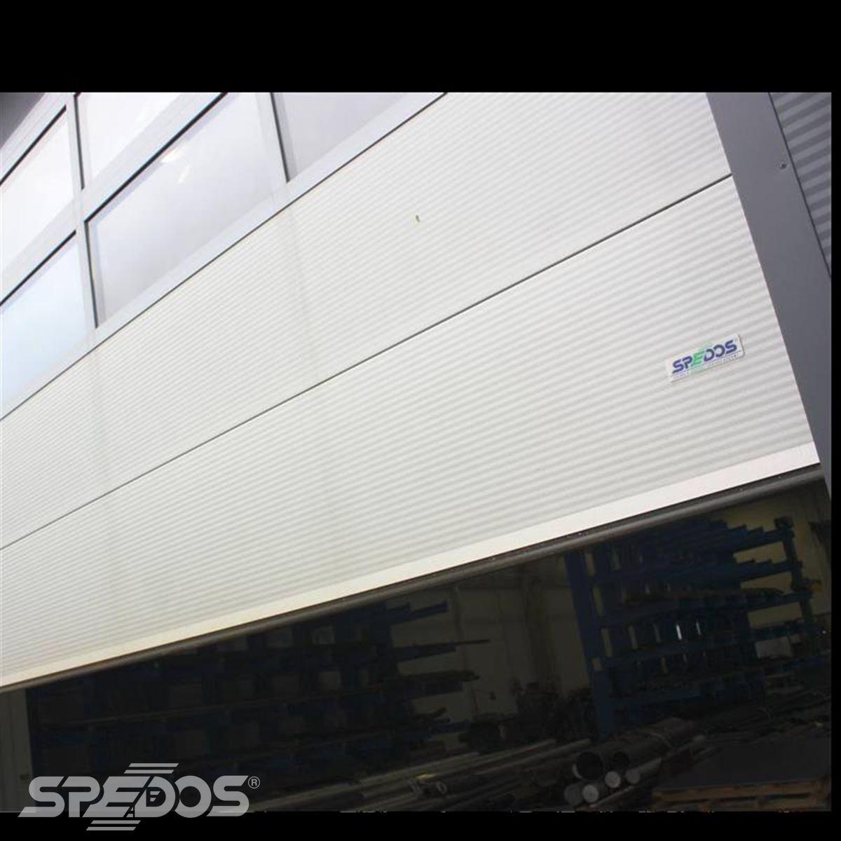 Průmyslová sekční vrata s mikroprofilem reference CIMBRIA HMD