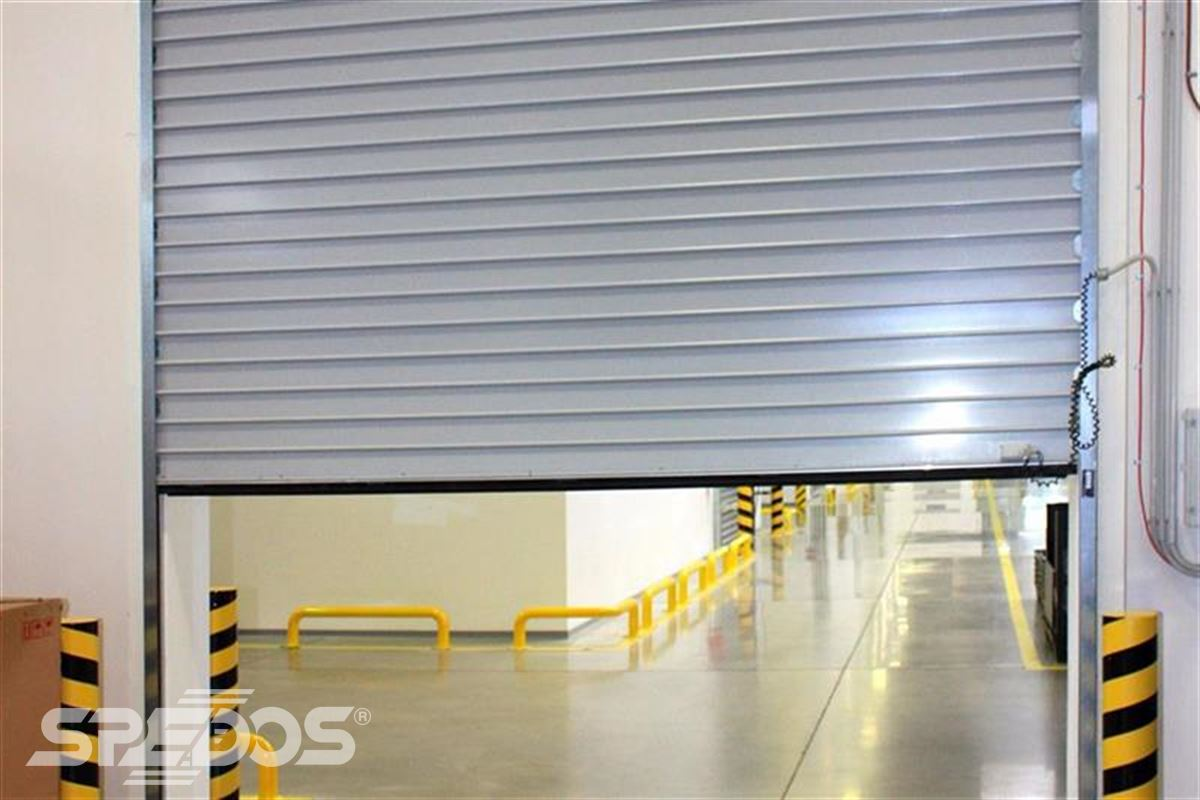 polozavřené průmyslové rolovací vrata