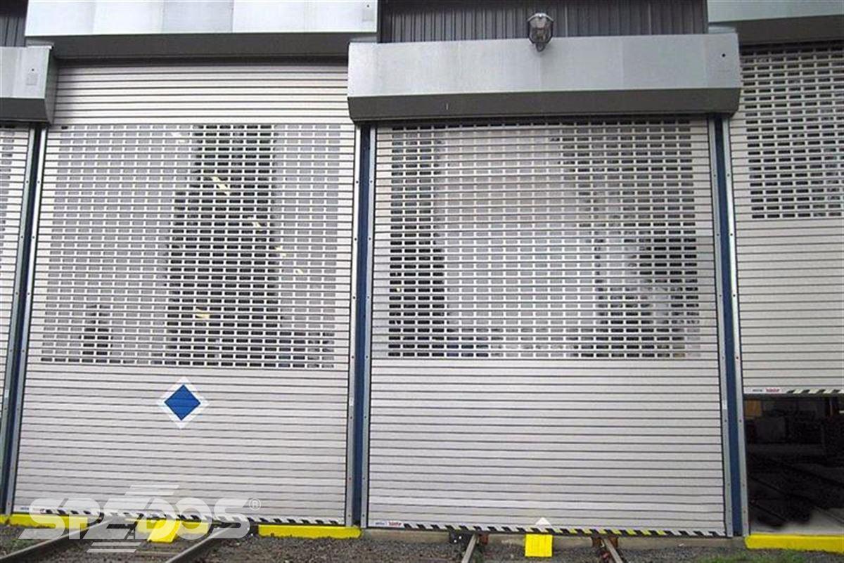 průmyslové rolovací vrata pro tramvaje