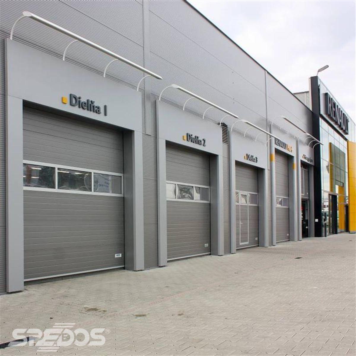reference na sekční zateplené vrata pro autosalon 2