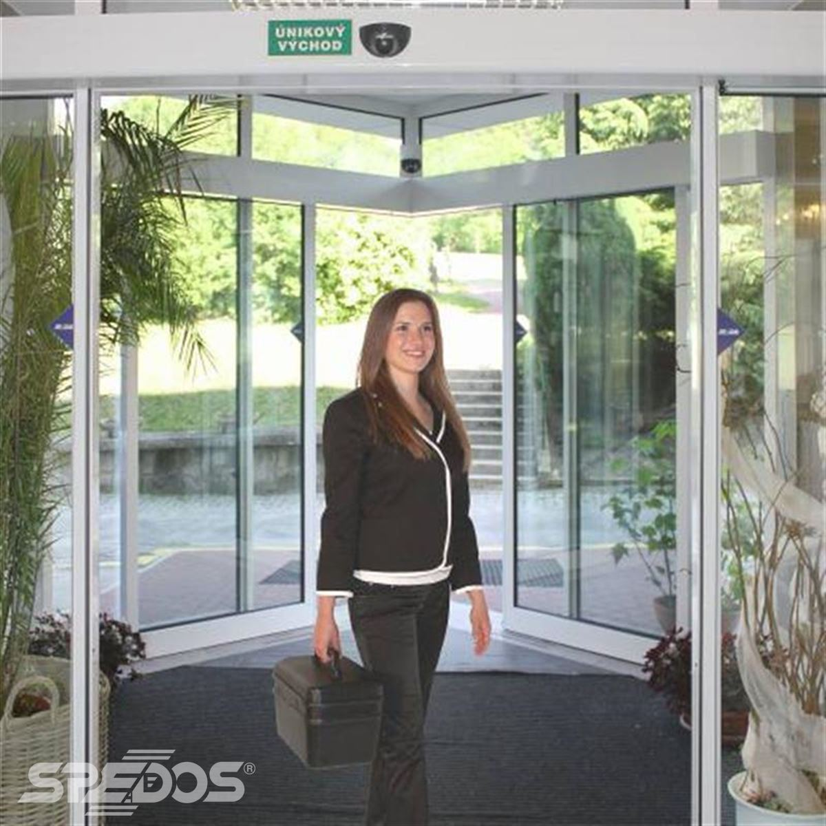 rohové automatické dveře posuvné