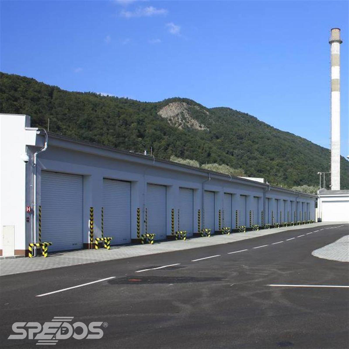 rolovací garážová vrata pro údržbu silnic a dálnic