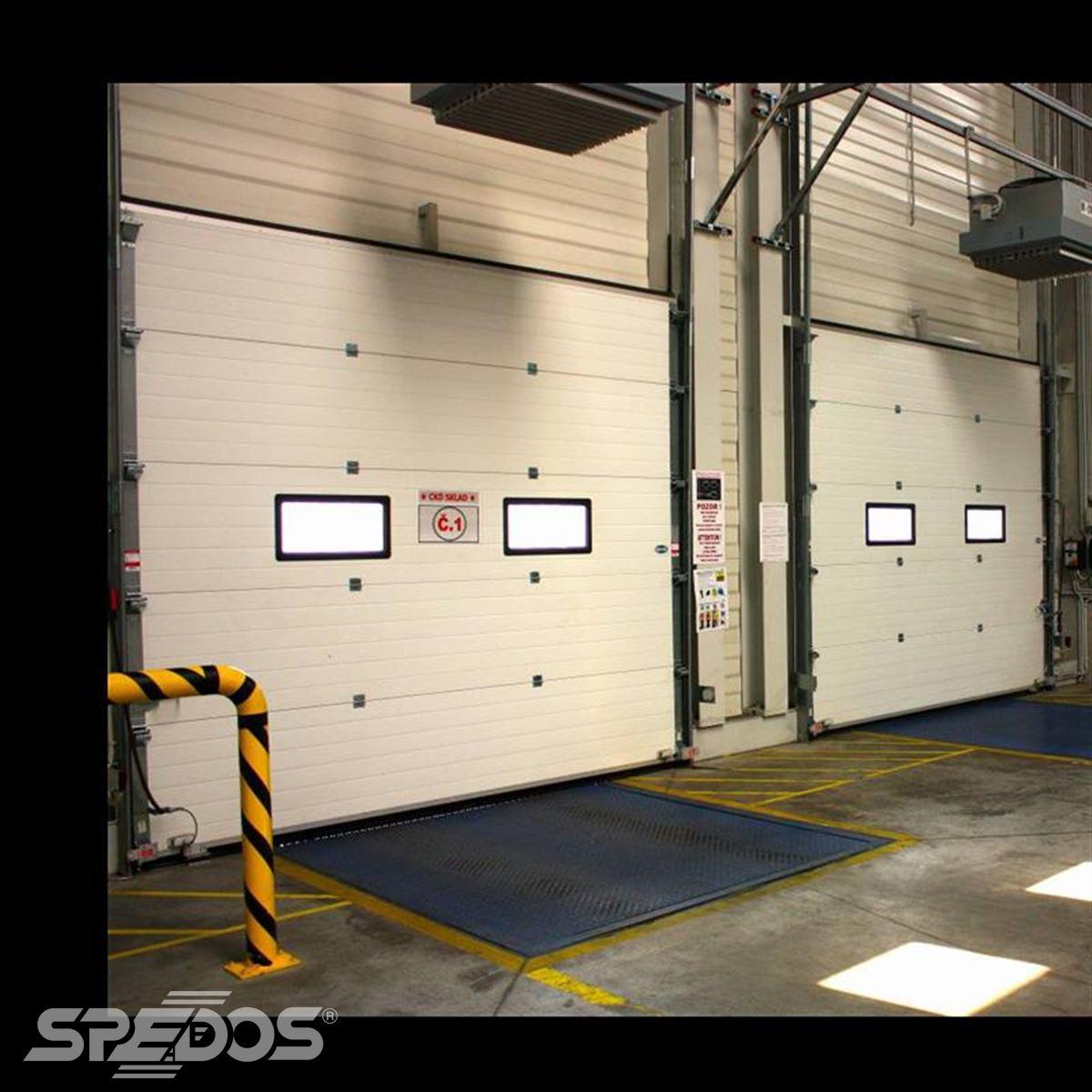 Průmyslová sekční vrata do garáže